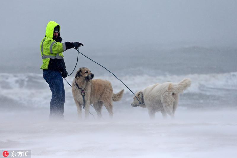 中国 罗马/美国遭遇强暴风雪袭击多地宣布进入紧急状态