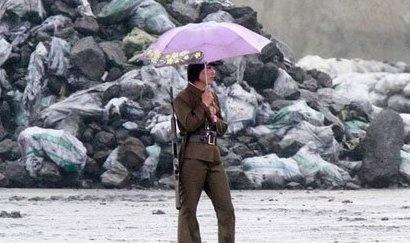 朝鲜女兵退伍无人敢娶 背后原因揭秘