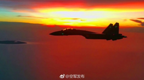 苏35亮相南海震慑挑事者 未来出动歼20威慑更大